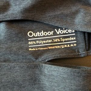 Outdoor Voices slashback crop L -Charcoal - NWT